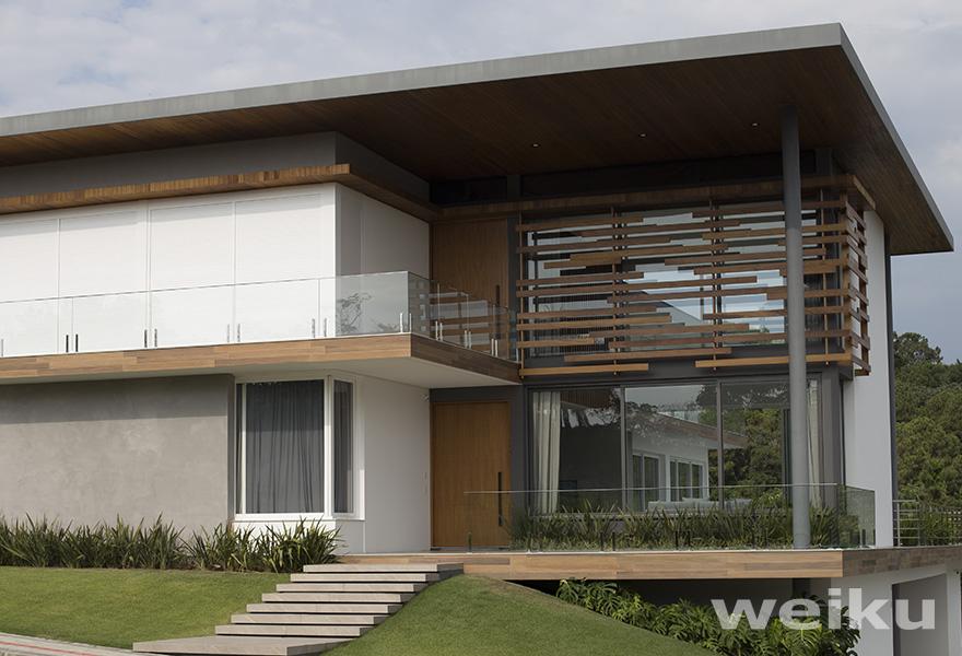casa-fachada-janela-porta-de-pvc-weiku