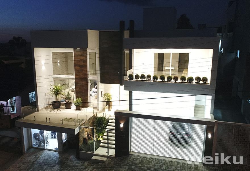 casa-noite-janelas-e-portas-de-pvc-weiku