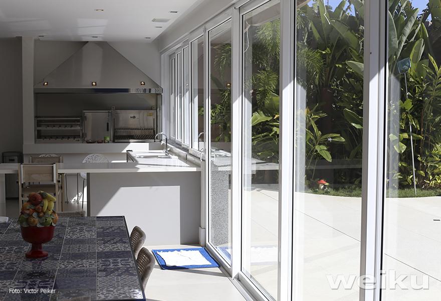 janelas-portas-pvc-weiku-churrasqueira-vidro-ambiente